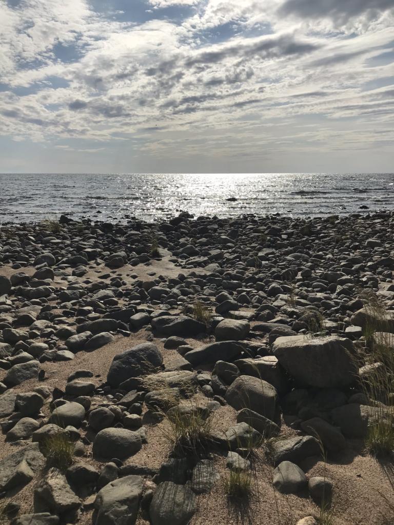 Kivinen ranta